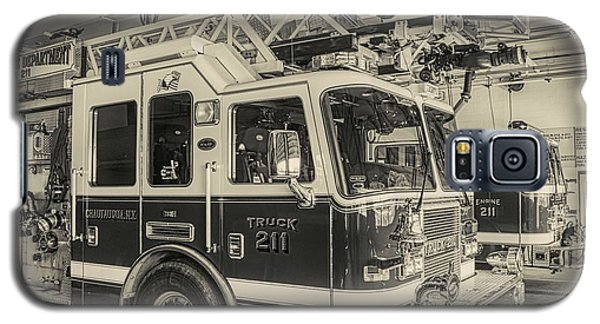 Truck And Engine 211 Galaxy S5 Case