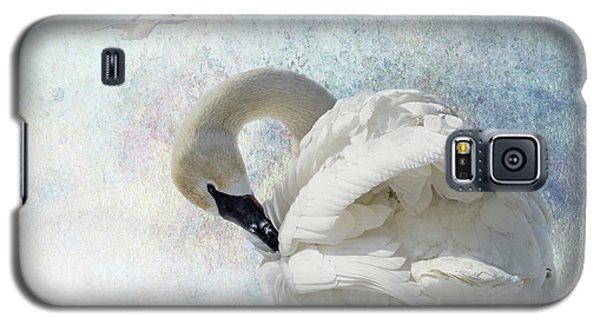 Trumpeter Textures #2 - Swan Preening Galaxy S5 Case