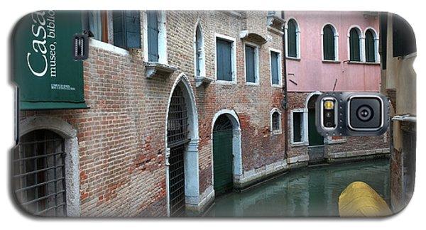 Venetian Streets -canals. Carlo Galdoni Museum Galaxy S5 Case