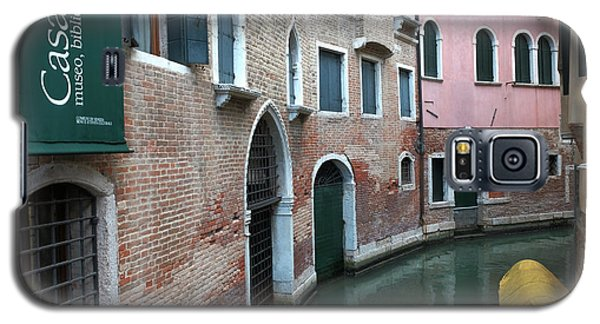 Venetian Streets -canals. Carlo Galdoni Museum Galaxy S5 Case