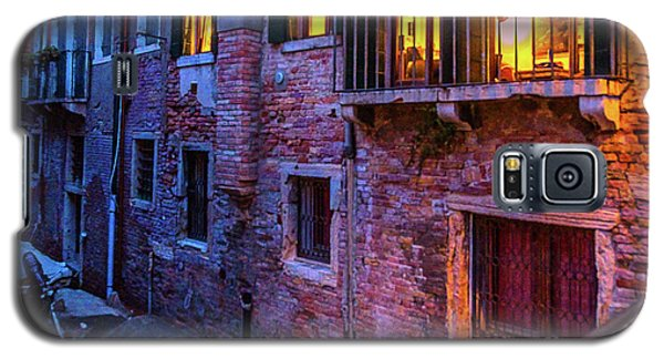 Venice Windows At Night Galaxy S5 Case