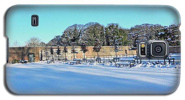 Walled Garden In The Snow Galaxy S5 Case