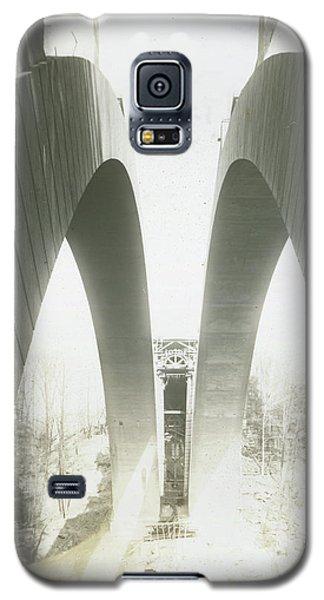 Walnut Lane Bridge Under Construction Galaxy S5 Case