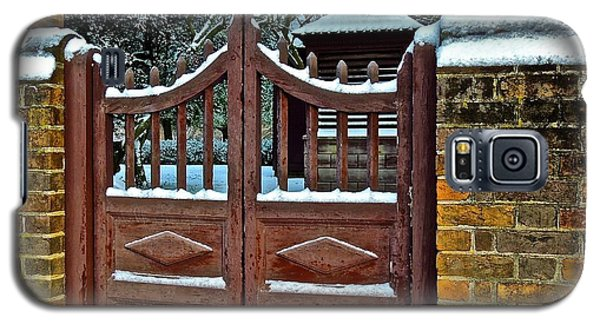 Winter Gate Galaxy S5 Case