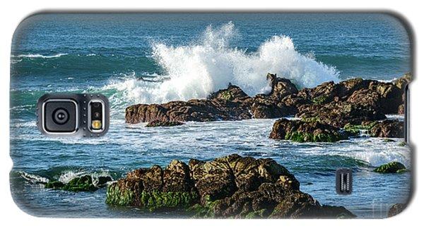 Winter Waves Hit Ancient Rocks No. 2 Galaxy S5 Case