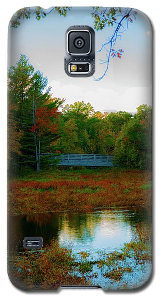 Wood Bridge In The Fall Galaxy S5 Case
