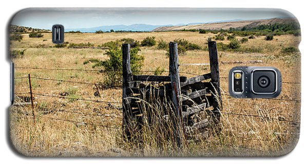 Yellow Grass And Fence Anchor Galaxy S5 Case