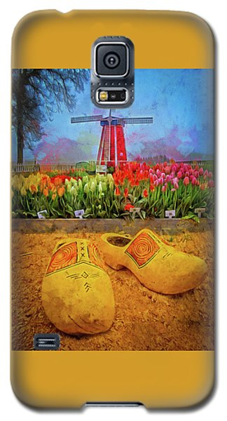 Yellow Wooden Shoes Galaxy S5 Case