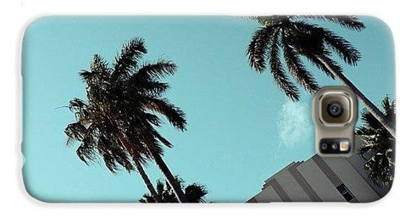 Iger Galaxy S6 Case - {miami Beach's Art Deco}  In 1979 by Joel Lopez