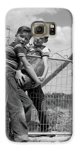 1950s Two Farm Boys In Striped T-shirts Galaxy S6 Case