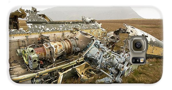 An Argentinian Puma Helicopter Galaxy S6 Case by Ashley Cooper