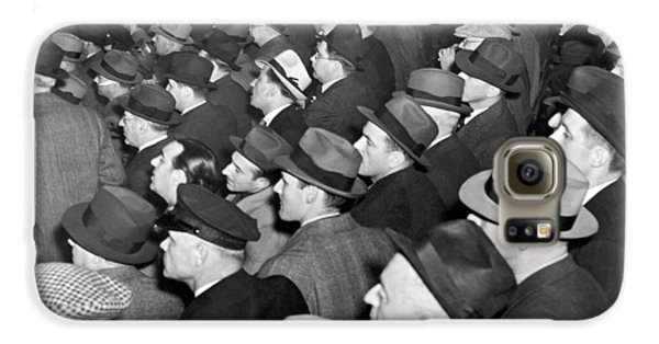 Baseball Fans At Yankee Stadium For The Third Game Of The World Galaxy S6 Case by Underwood Archives