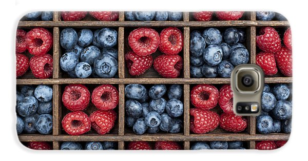 Blueberries And Raspberries  Galaxy S6 Case by Tim Gainey