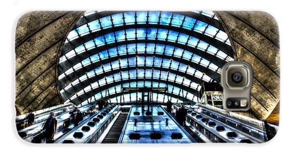 Canary Wharf Station Galaxy S6 Case by David Pyatt