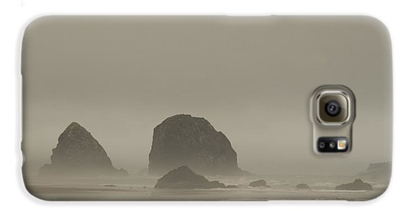 Cannon Beach In A Fog Oregon Galaxy S6 Case