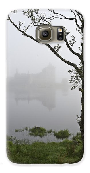 Castle Kilchurn Tree Galaxy S6 Case by Gary Eason