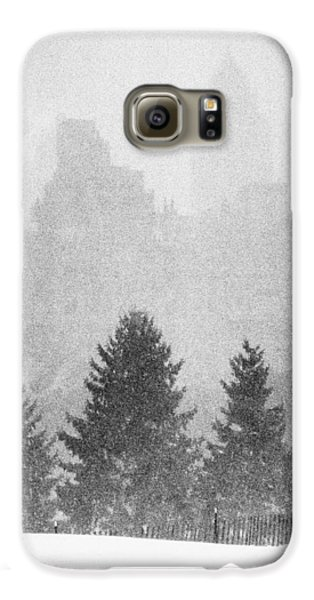 Galaxy S6 Case featuring the photograph Cedar Hill Snow Shapes by Dave Beckerman