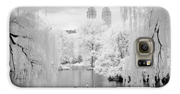 Central Park Lake-infrared Willows Galaxy S6 Case by Dave Beckerman