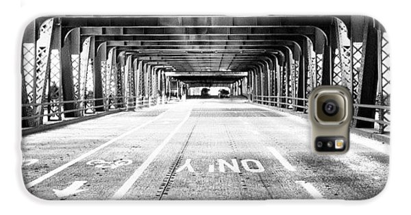 Architecture Galaxy S6 Case - Chicago Wells Street Bridge Picture by Paul Velgos