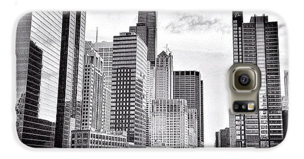 Architecture Galaxy S6 Case - Chicago River Buildings Black And White Photo by Paul Velgos
