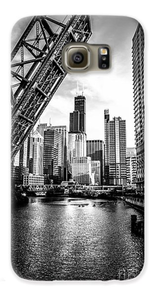 Chicago Galaxy S6 Case - Chicago Kinzie Street Bridge Black And White Picture by Paul Velgos