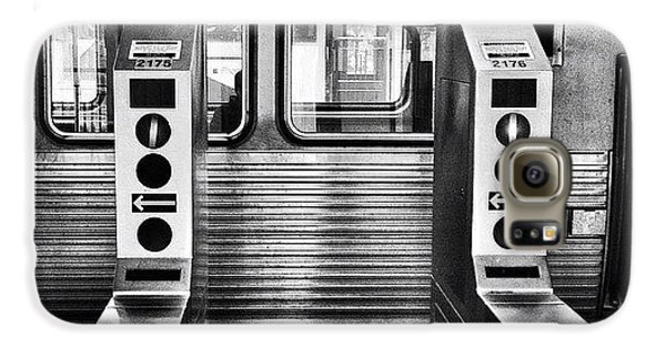 City Galaxy S6 Case - Chicago L Train Gate In Black And White by Paul Velgos