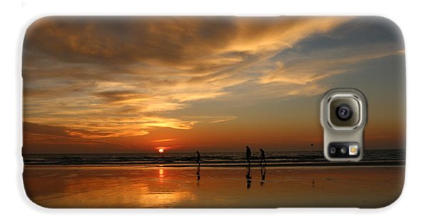Clam Digging At Sunset -1  Galaxy S6 Case