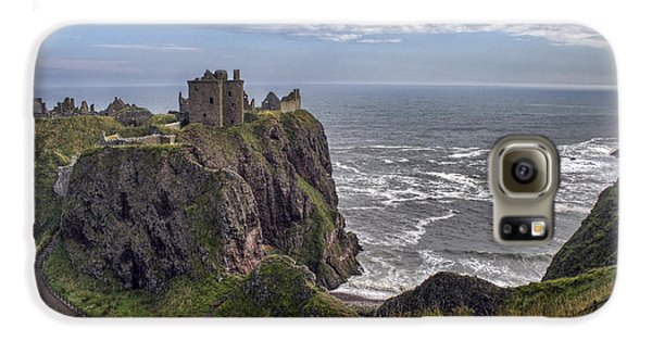 Dunnottar Castle And The Scotland Coast Galaxy S6 Case