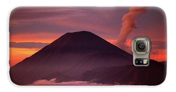 Mountain Galaxy S6 Case - Indonesia Mt Semeru Emits A Plume by Jaynes Gallery