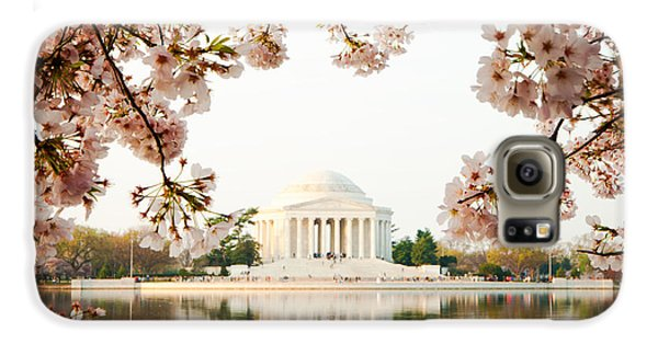 Jefferson Memorial With Reflection And Cherry Blossoms Galaxy S6 Case by Susan Schmitz