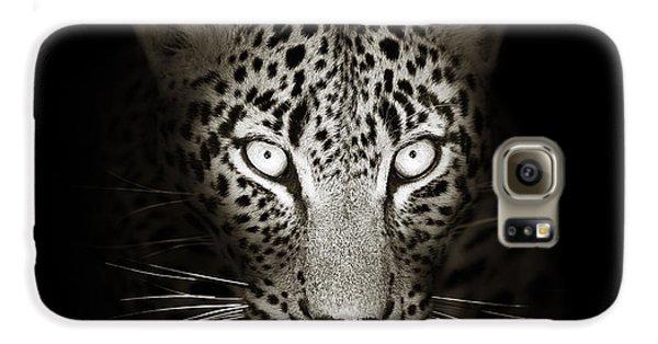 Leopard Portrait In The Dark Galaxy S6 Case