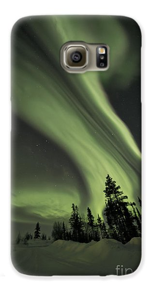 Light Swirls Over The Midnight Dome Galaxy S6 Case by Priska Wettstein