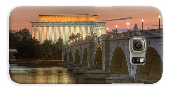 Lincoln Memorial And Arlington Memorial Bridge At Dawn I Galaxy S6 Case
