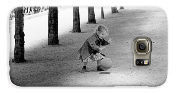 Galaxy S6 Case featuring the photograph Little Girl With Ball Paris by Dave Beckerman