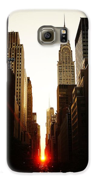 Manhattanhenge Sunset And The Chrysler Building  Galaxy S6 Case by Vivienne Gucwa
