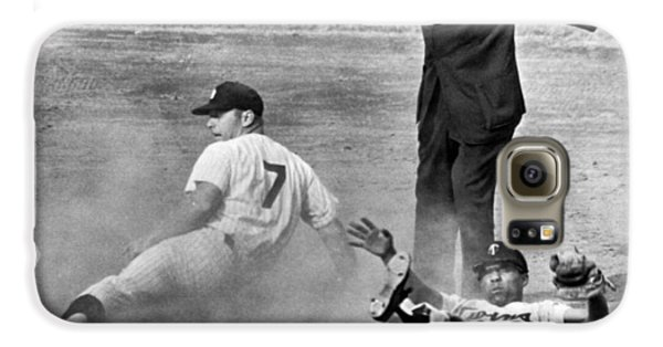 Baseball Players Galaxy S6 Case - Mickey Mantle Steals Second by Underwood Archives