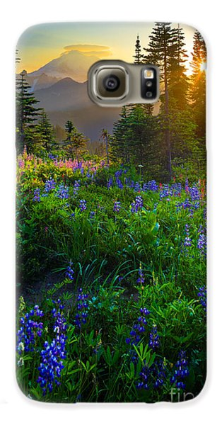 Mount Rainier Sunburst Galaxy S6 Case by Inge Johnsson