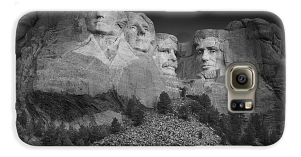 Mount Rushmore South Dakota Dawn  B W Galaxy S6 Case by Steve Gadomski