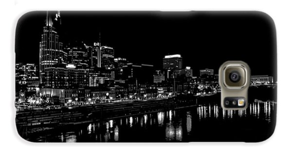 Nashville Skyline At Night In Black And White Galaxy S6 Case by Dan Sproul