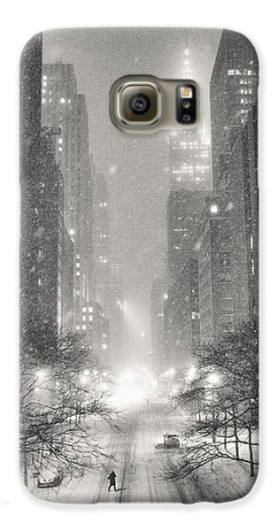 New York City - Winter Night Overlooking The Chrysler Building Galaxy S6 Case by Vivienne Gucwa