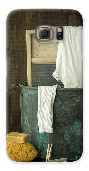 Old Washboard Laundry Days Galaxy S6 Case by Edward Fielding