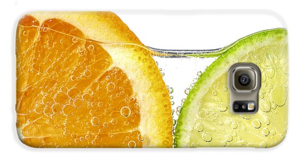 Orange And Lime Slices In Water Galaxy S6 Case