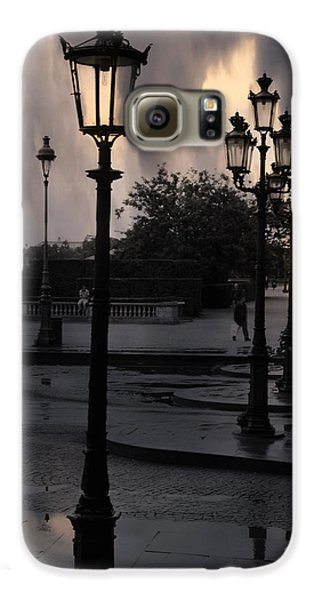 Paris Surreal Louvre Museum Street Lanterns Lamps - Paris Gothic Street Lamps Black Clouds Galaxy S6 Case