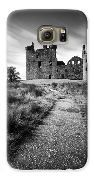 Path To Kilchurn Castle Galaxy S6 Case by Dave Bowman