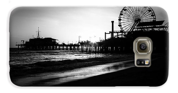 Santa Monica Pier In Black And White Galaxy S6 Case by Paul Velgos