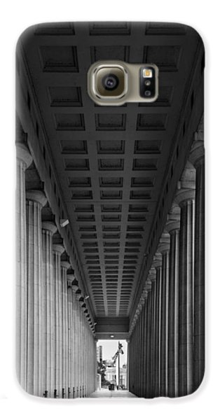 Soldier Field Colonnade Chicago B W B W Galaxy S6 Case