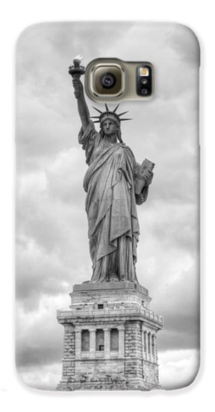 Statue Of Liberty Full Galaxy S6 Case by Dave Beckerman