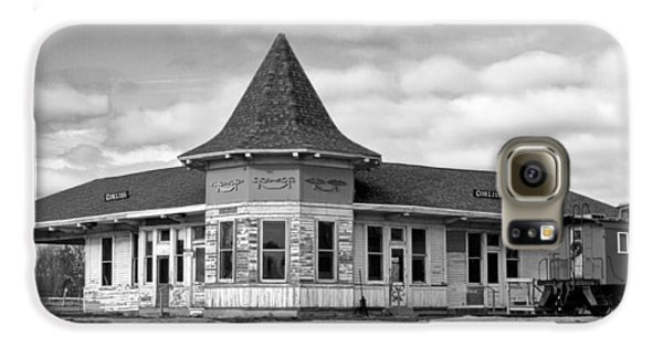 Galaxy S6 Case featuring the photograph Sturtevant Old Hiawatha Depot In Hdr by Ricky L Jones