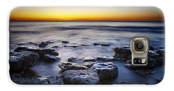 Sunrise At Cave Point Galaxy S6 Case by Scott Norris