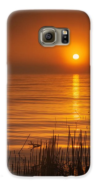 Sunrise Through The Fog Galaxy S6 Case by Scott Norris